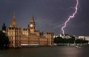 lightning-strikes_1452610i