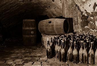 dusty-wine-cellar-t-hlu8fp